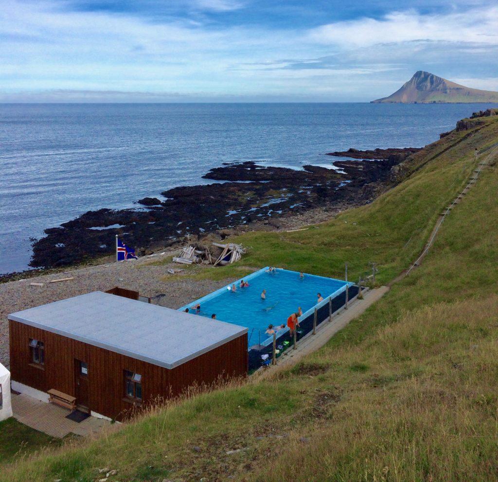 Hot pool at Krossneslaug near Norðurfjörður